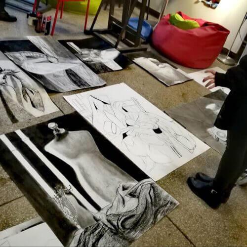 Przygotowanie teczki prac na ASP oraz inne uczelnie artystyczne.